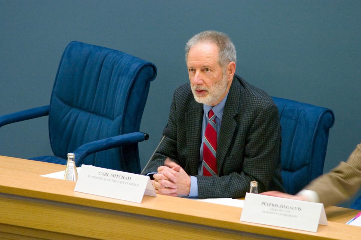 卡尔 · 米切姆: 工程面临的真正重大挑战——自我认知